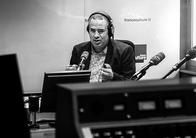Hakim, aveugle, grand reporter sur France Culture.